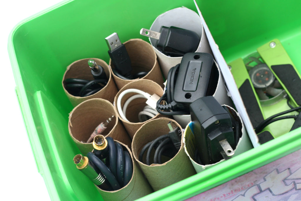 Organize your cables with Toilet Paper Rolls
